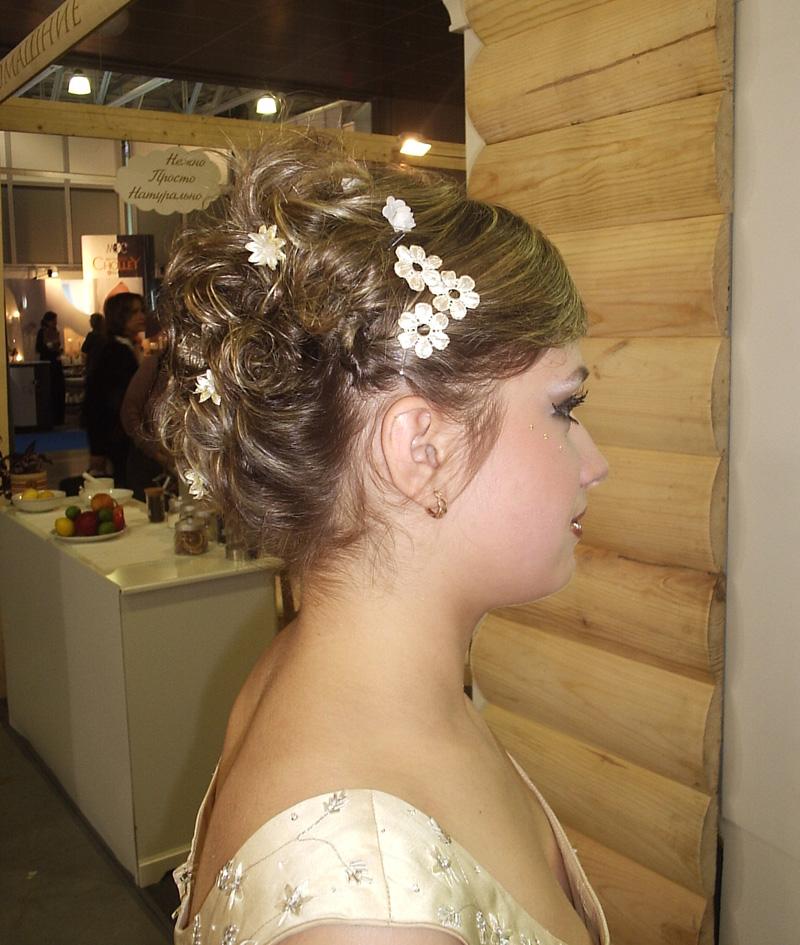 Свадебные прически по овалу лица
